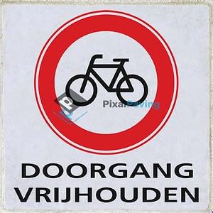 Stoeptegel gesloten voor fietsers doorgang vrijhouden